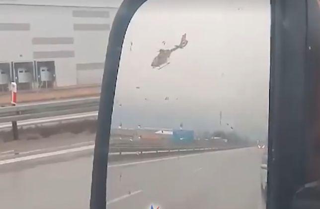 Wypadek na A4. Helikopter nie mógł wylądować. Dramatyczne nagranie trafiło do sieci