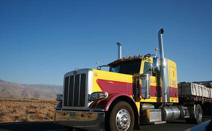 Praca dla kierowców ciężarówek od ręki. W Stanach nie ma komu jeździć