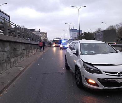 Warszawa. Zderzenie czterech aut na Trasie Łazienkowskiej