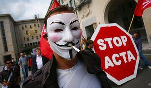 """Parlament Europejski będzie pracował nad przepisami nazwanymi """"ACTA 2"""". Posłowie PiS byli przeciw, ci z PO głosowali za."""