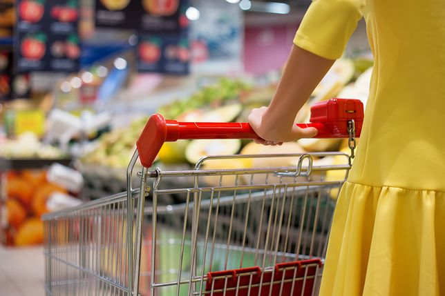 Polskie sklepy nad przepaścią. Decyzja Komisji Europejskiej może je dobić