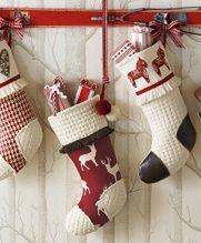 Gdzie schować prezenty na mikołajki, czyli pomysły na świąteczną skarpetę