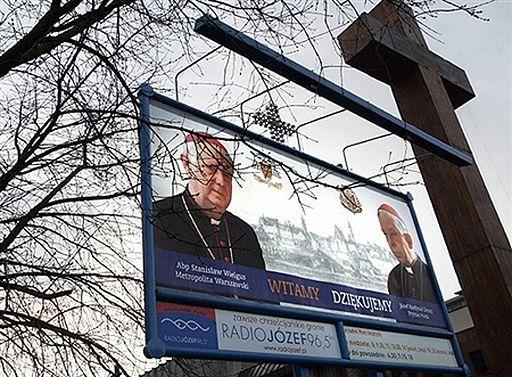Kościół w Polsce wciąż traci wiernych