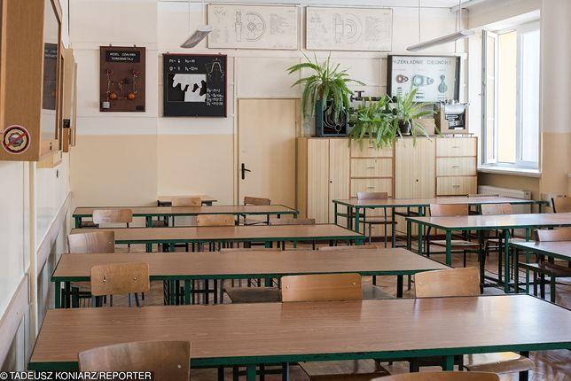 Wakacje są okazją do przeprowadzania remontów w szkołach.