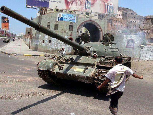 Czerwony Krzyż: sytuacja w Jemenie jest katastrofalna