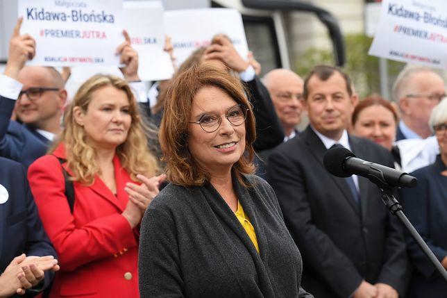 Warszawa. Małgorzata Kidawa-Błońska podczas spotkania z wyborcami przed wyborami parlamentarnymi