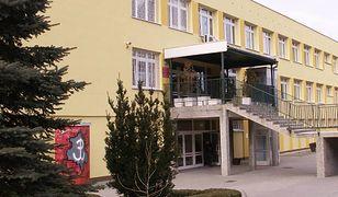 Ewakuacja szkoły na Bemowie w Warszawie