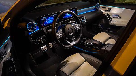 Mercedes A250e: System zarządzania energią i rozszerzona rzeczywistość