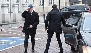 Antoni Macierewicz wciąż ma ochronę i jeździ luksusową limuzyną