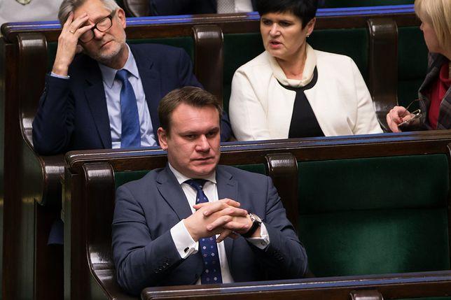 Poseł PiS  Dominik Tarczyński jest posiadaczem wartego 4 tys. euro zegarka.