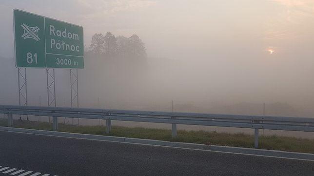 Kierowcy prowadzeni przez Radom przez Mapy Google mogą się poczuć jak dzieci we mgle.