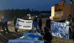 Aktywiści zorganizowali nietypowy, walentynkowy protest