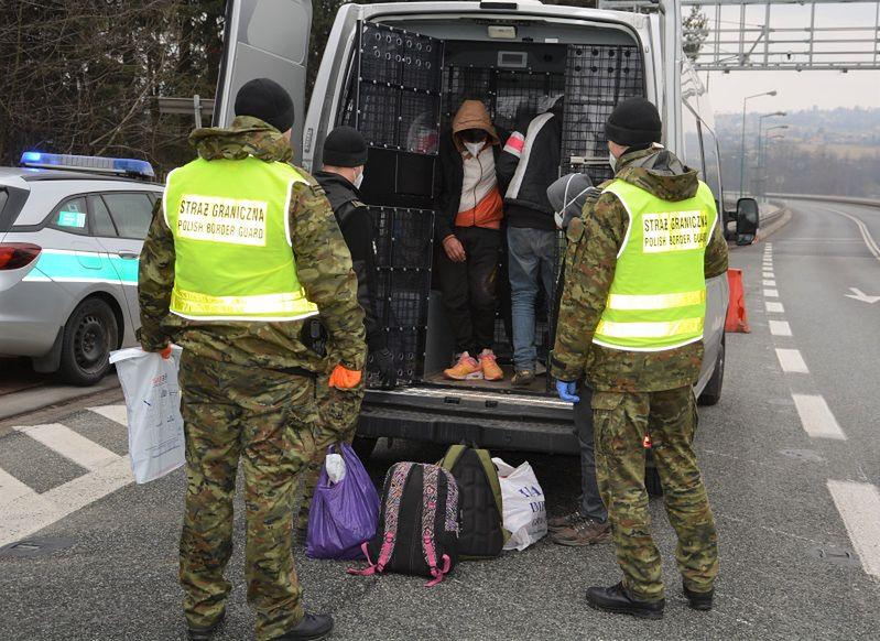 Śląskie. Sześciu Afgańczyków nielegalnie przekroczyło polską granicę.