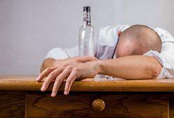 """Sosnowiec. Mieli ponad 3 promile alkoholu w organizmie i czworo dzieci """"pod opieką"""""""