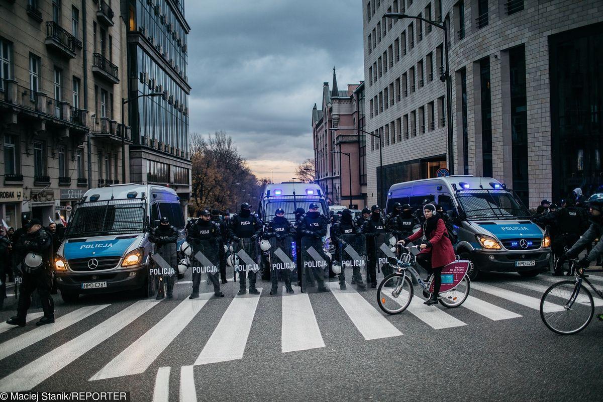 1000 zł za dzień służby policjanta. Marsz Niepodległości będzie kosztował miliony