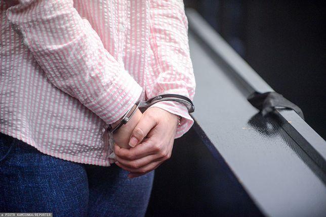 Częstochowa. Pobili kobietę do nieprzytomności. 18-latek trafił do aresztu