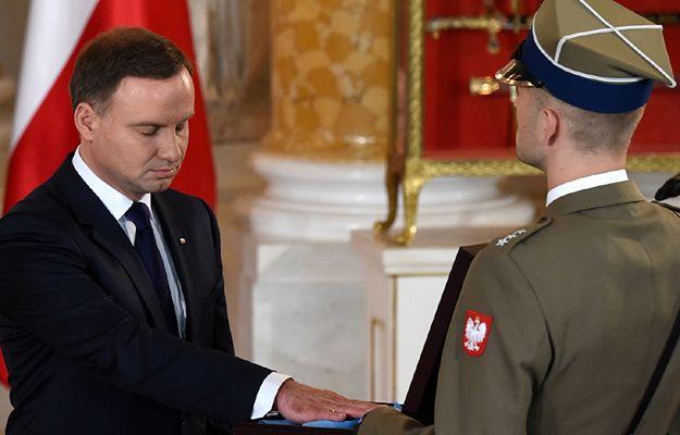 Prezydent Duda odebrał odznaki orderów: Odrodzenia i Orła Białego