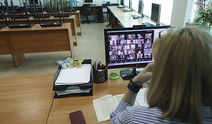 Koronawirus a szkoła. Hejt podczas e-lekcji. Ofiarami nauczyciele