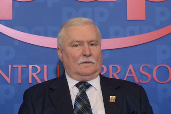 Lech Wałęsa: ważne rzeczy załatwiajmy w poważnych miejscach