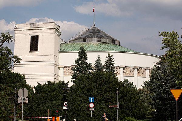 Sejm uchwalił: komornik nie zajmie sprzętu niepełnosprawnych