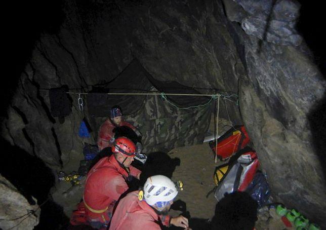 Tatry. Jaskinia Wielka Śnieżna. Tak wygląda miejsce akcji ratunkowej prowadzonej przez TOPR