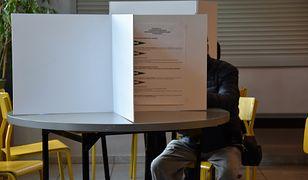 Koronawirus w Polsce. Trwają wybory przedterminowe i uzupełniające