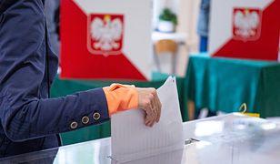 Koronawirus W Polsce. Jedna z komisji wyborczych.