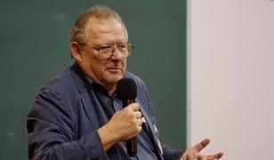 Adam Michnik z medalem UAM. Cześć pracowników uniwersytetu wyraża sprzeciw