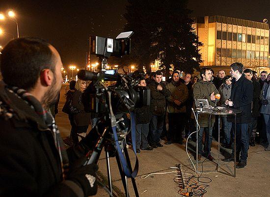 Na znak protestu telewizja nadaje z ulicy