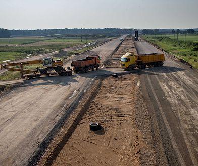 W najbliższych latach mniej pieniędzy na drogi. Rząd zmienia plan i pieniądze będą później