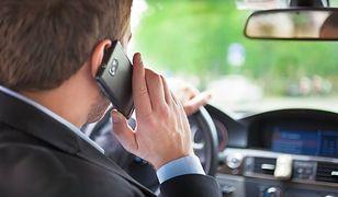 Blisko połowa polskich kierowców korzysta z telefonu podczas jazdy