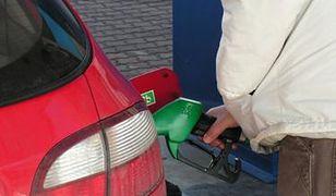 Tanieje benzyna i olej napędowy