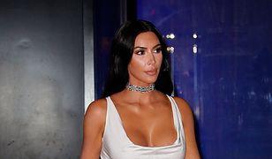 Kim Kardashian jak zwykle nie pozwala swoim fanom  się nudzić