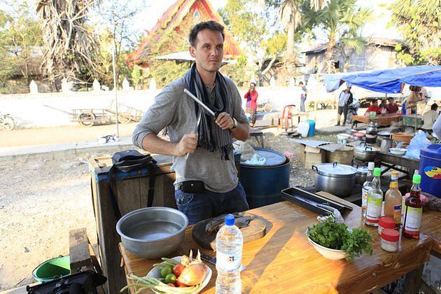 """""""Smakuj świat z Pascalem"""": obiad z węża i krabowe curry - poznaj tajskie przysmaki!"""