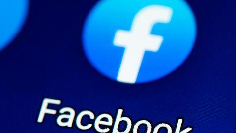 Facebook walczy z fake news. Teraz upewni się, że wiesz co udostępniasz