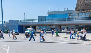 Z lotniska Saloniki-Macedonia z łatwością można dostać się do centrum miasta