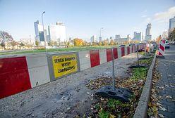 Warszawa. Powstaje nowy parking wzdłuż Alei Jerozolimskich