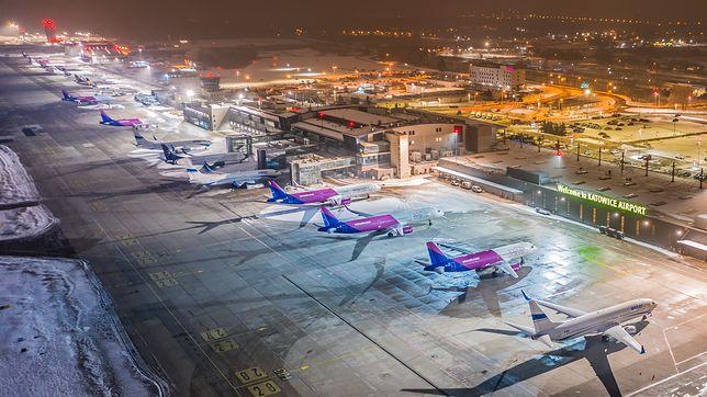 Śląskie. Z lotniska Katowice Pyrzowice w styczniu skorzystało ponad 10-krotnie mniej pasażerów niż przed rokiem.