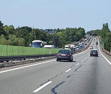 Korki i zatory na drogach. Kłopoty kierowców na A1 i S3. Może być jeszcze gorzej