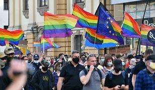 """Niemiecki Kościół błogosławi homoseksualne związki. """"To zasługuje na respekt"""""""