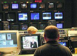 PIENIĄDZE - Telewizja tnie zatrudnienie, wieczorny Teleskop krótszy