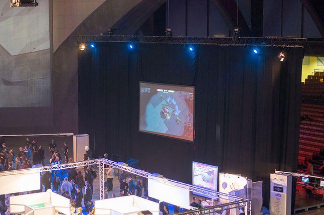 Tu widać Starcrafta z przodu…