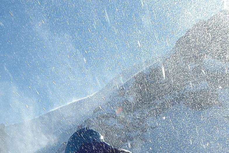 W Polsce spadł pierwszy śnieg. Do sieci trafiło zaskakujące nagranie
