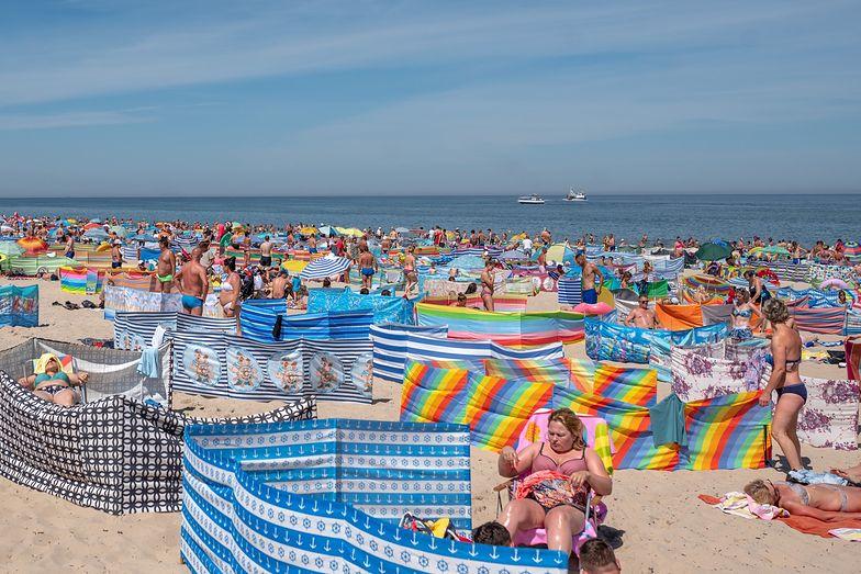"""Gorszący widok na polskich plażach. Polacy mówią """"dość"""". Chcą zmian"""