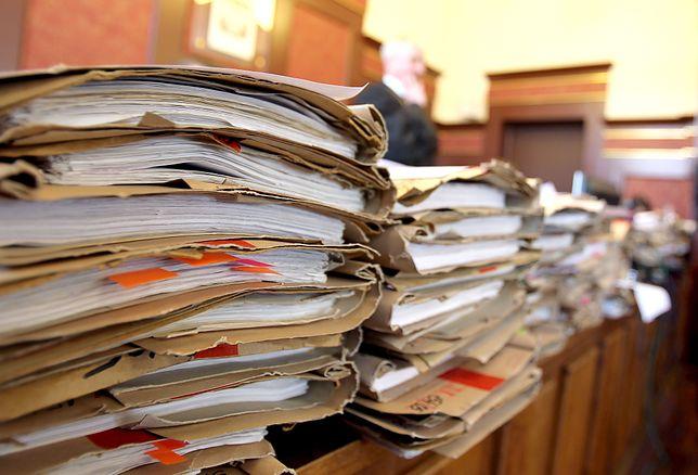 Funkcjonariusze PRL chcą swoje emerytury z powrotem. Sąd zasypany odwołaniami