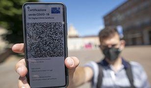 Koronawirus. We Włoszech kwitnie handel fałszywymi certyfikatami covidowymi