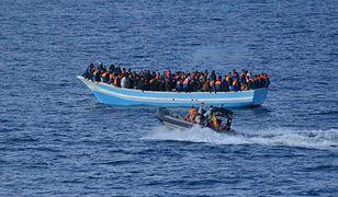 Chcą zawracać migrantów do Afryki. Akcja na morzu
