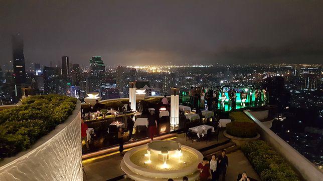 """Stolica Tajlandii """"naszpikowana"""" jest wieżowcami, pociąga bogatym życiem nocnym i zachwyca wieloma atrakcjami"""