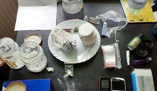 Warszawa. Policja zatrzymała mężczyznę, który posiadał sporą ilość narkotyków.