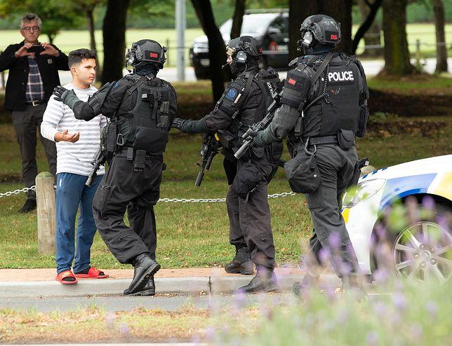 """Nowa Zelandia. Strzelanina w meczecie, służby mówią o """"wielu ofiarach"""""""